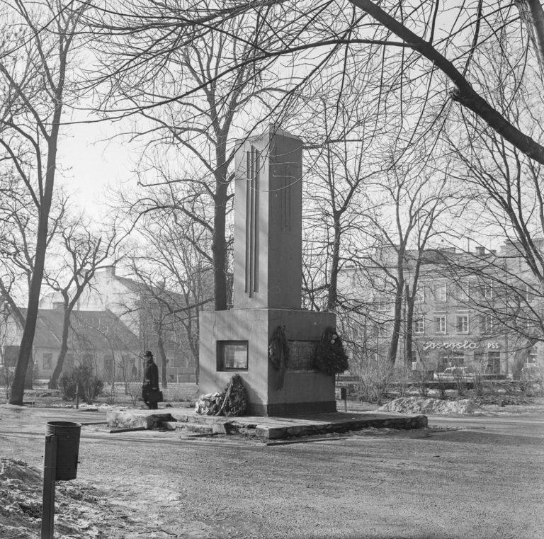 Pomnik w Rynku