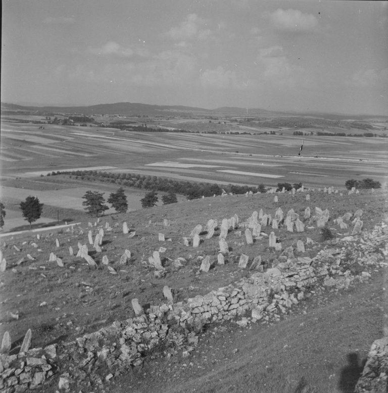 Motyw z cmentarzem żydowskim
