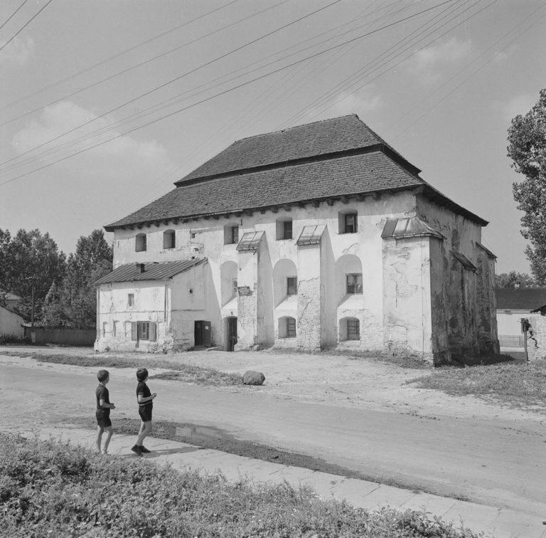 Arian church