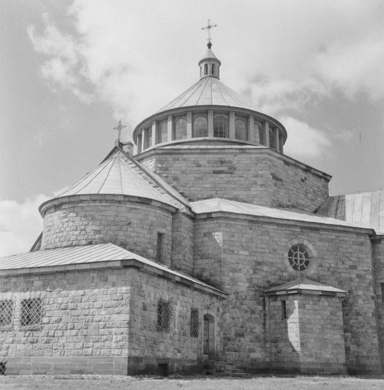 Kościół Widok ogólny od strony wschodniej