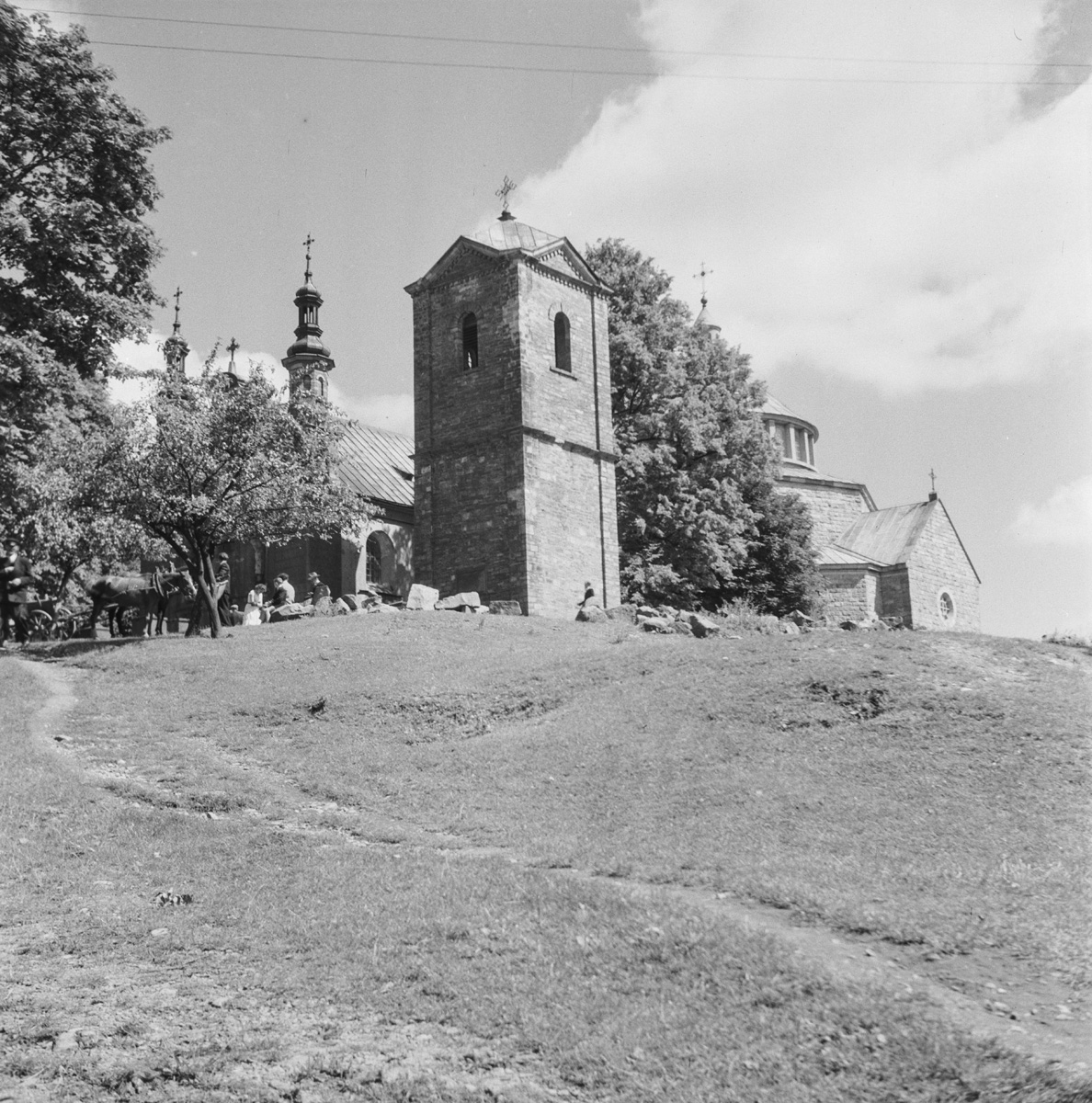 Kościół Widok od strony płd. dzwonnicę i nawę
