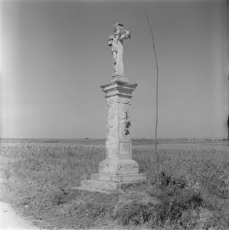 Wayside statues
