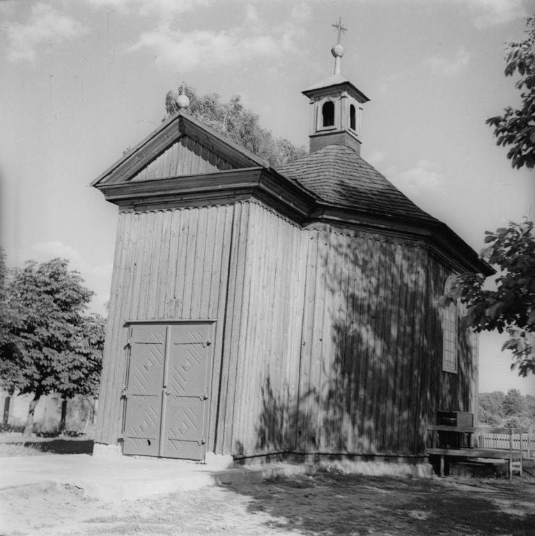 Kościółek drewniany