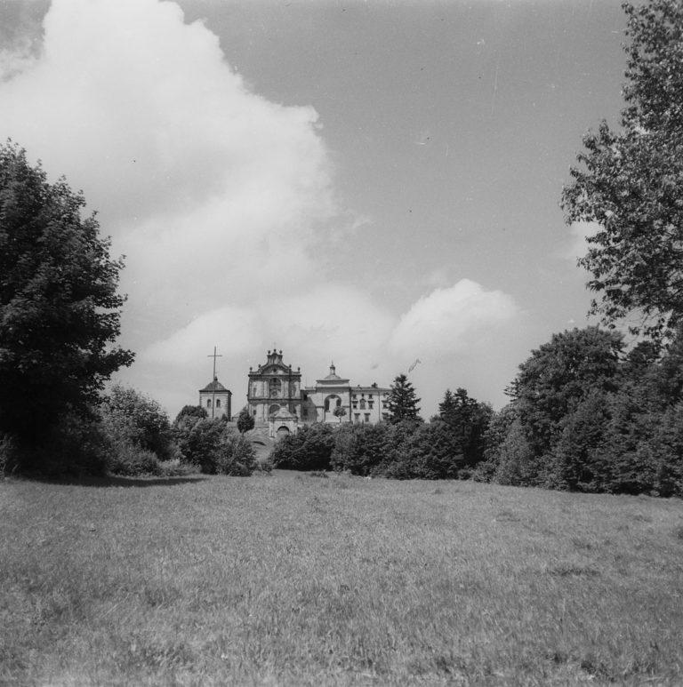 Klasztor z łączki
