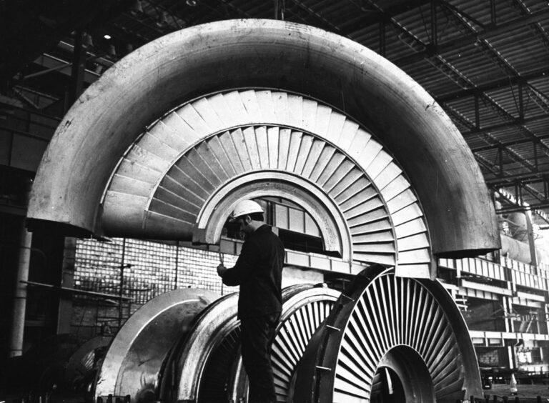 Montaż turbiny. Elektrownia Kozienice